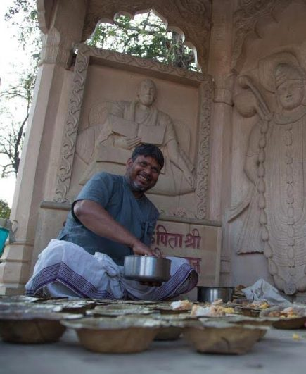Mohan dishes out prasad for all at Surabhi Kund