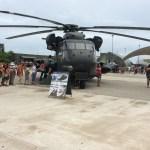 El helicóptero llegó volando y está en servicio