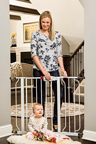 Regalo Easy Step Walk Thru Gate, White, Fits Spaces between 29″ and 39″ Wide