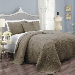 Vue Signature Plush Decor Charlotte Faux Fur Coverlet Collection, Med Beige