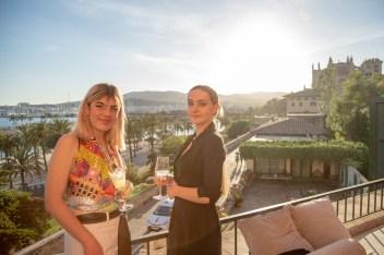 Inés Poncelet y Isabella Dodson © La Siesta Press / J. Fernández Ortega