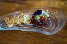 Tártaro de atún rojo con sésamo y guacamole