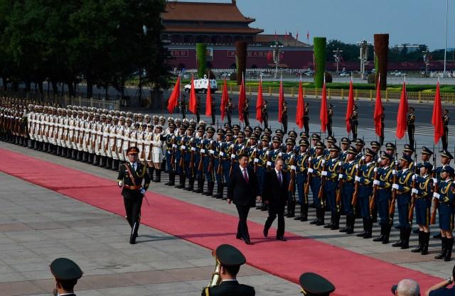 El presidente ruso Vladimir Putin viajó aBeijing para conversar con el mandatario chino Xi Jinping y estrechar lazos en momentos de tensión con Occidente (AFP)
