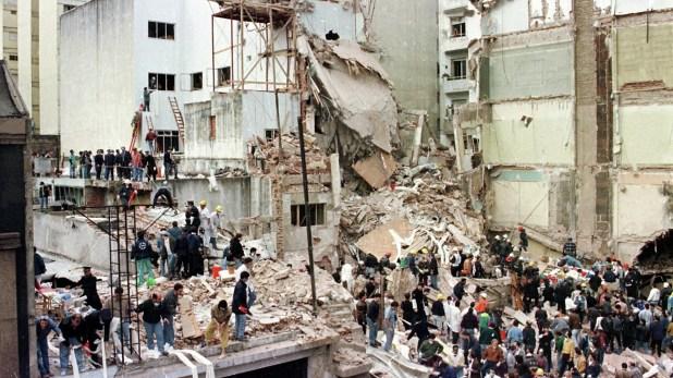 El atentado a la AMIA dejó 85 personas muertas y 300 heridos (foto de archivo – AFP)