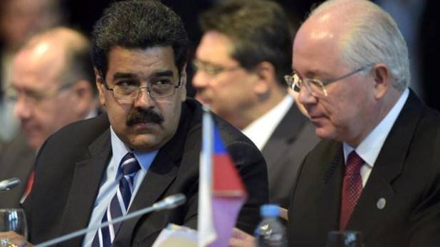Rafael Ramírez junto a Nicolás Maduro, poco antes de quebrar la relación
