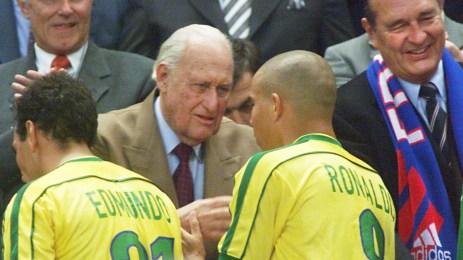 João Havelange falleció el 16 de agosto en Río de Janeiro a los 100 años. Fue uno de los personajes más influyentes de fútbol mundial como presidente de la FIFA por 24 años