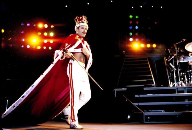 Freddie Mercury murió de una bronconeumonía complicada por el sida el 24 de noviembre de 1991