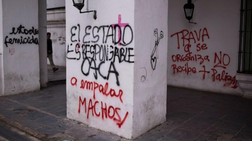 Ayer una multitud marchó desde el Congreso a Plaza de Mayo para pedir el fin de la violencia de género