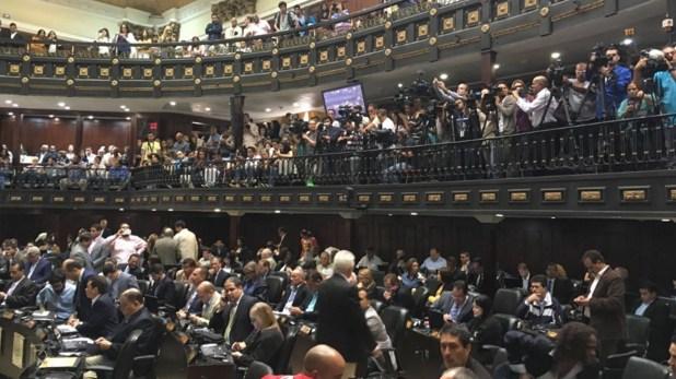 La Asamblea Nacional tiene mayoría opositora (@AsambleaVE)