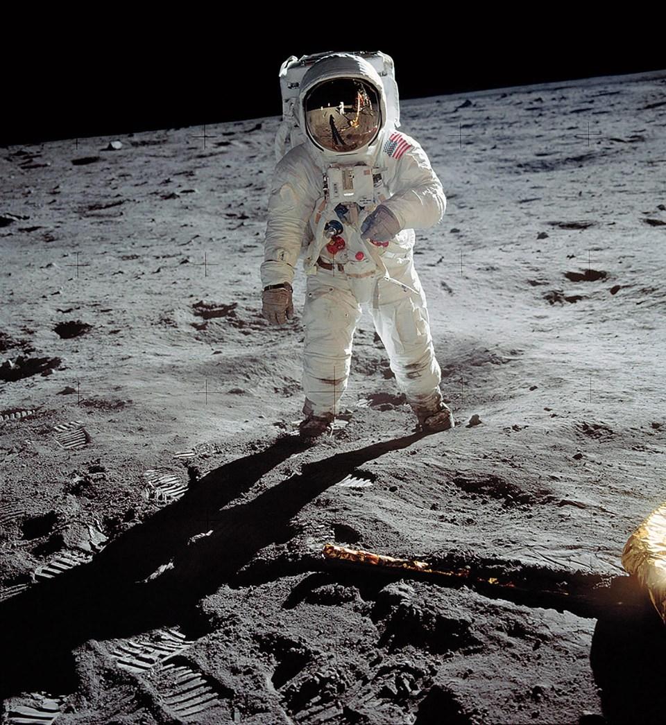 """""""Un hombre en la luna"""" (Neil Armstrong, 1969)"""