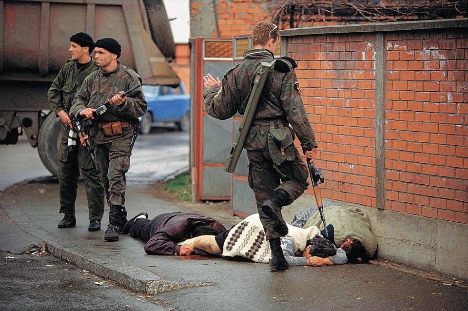 """""""Bosnia"""" (Ron Haviv, 1992)"""