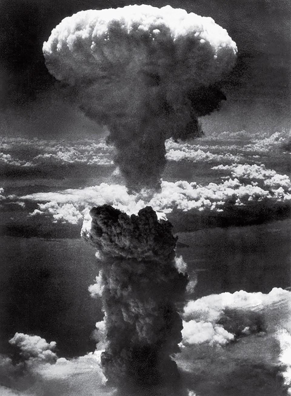 """Nube de hongo sobre Nagasaki"" (Lieutenant Charles Levy, Japón, 1945)"