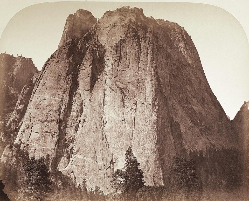 """""""Montaña Catedral, Yosemite"""" (Carleton Watkins, Estados Unidos, 1861)"""