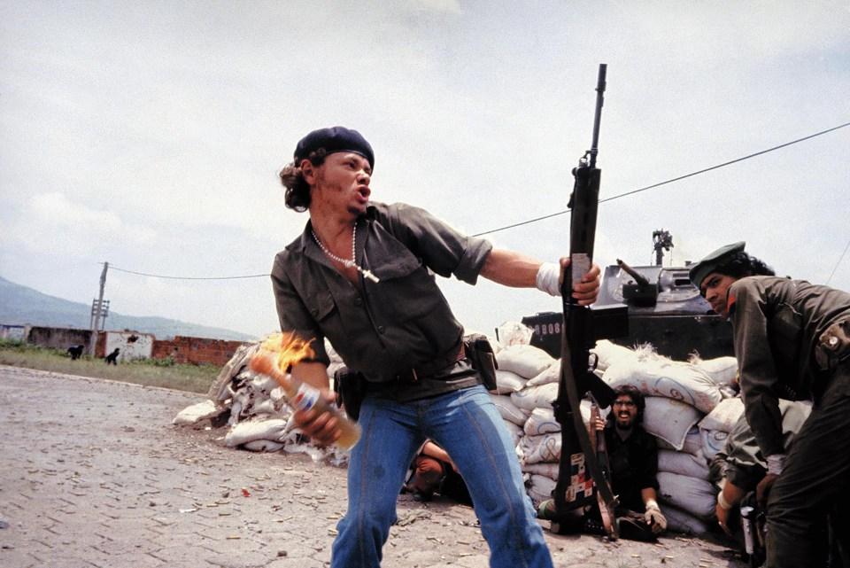 """""""Hombre molotov"""" (Susan Meiselas, Nicaragua, 1979)"""