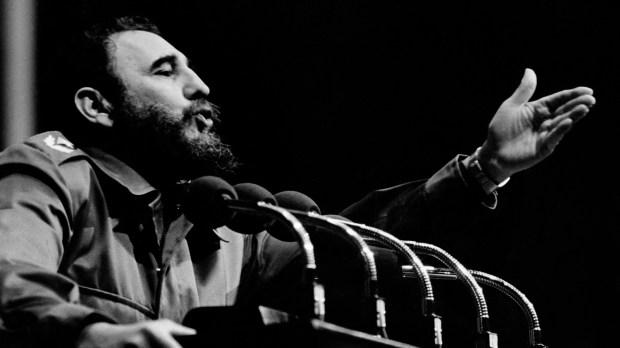 Fidel Castro creó el CUC en medio del período económico más difícil de su gobierno, tras la caída de la URSS y con ella sus amplios subsidios al país (AFP)
