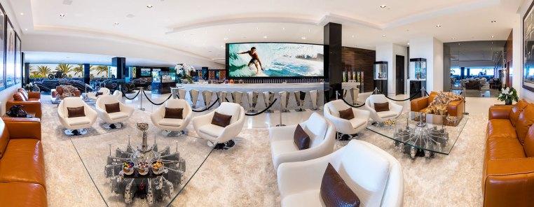Una vista panorámica de una de las salas de estar. Los invitados no se sentirán incómodos durante un cóctel (BAM Luxury Development)