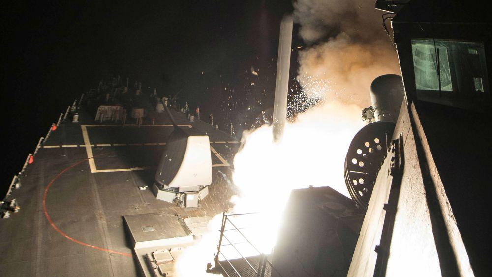 En 2017 Donald Trump ordenó un bombardeo con misiles de crucero sobre una base siria tras un brutal ataque con gas Sarín