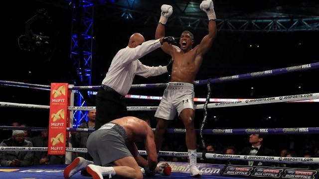 Joshua derrotó a Klitschko ante 90.000 personas en Wembley (Getty Images)