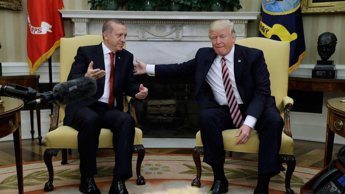 Erdogan y Trump durante el último encuentro enel Salón Oval (AP)