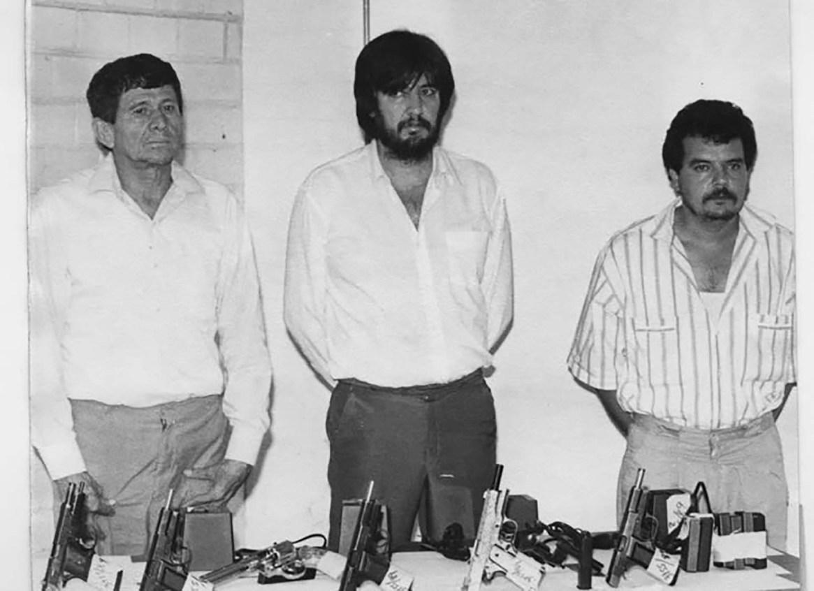En el centro, Amado Carrillo Fuentes, alias 'El Señor de los Cielos', líder del Cártel de Juárez y exsocio de Pablo Escobar.