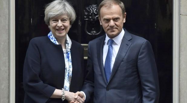 Theresa May y Donald Tusk (Reuters)