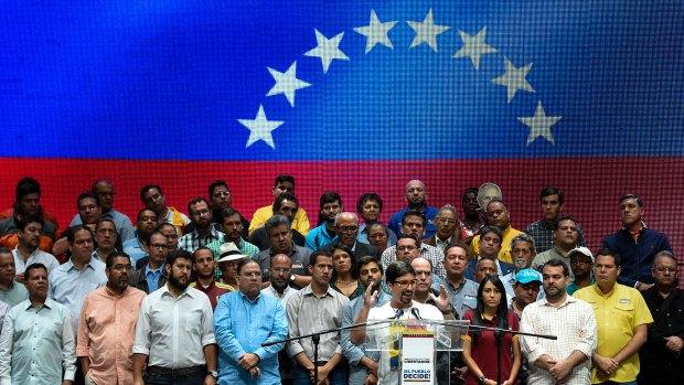La oposición venezolana retomó el diálogo con Santo Domingo con el chavismo (AFP)