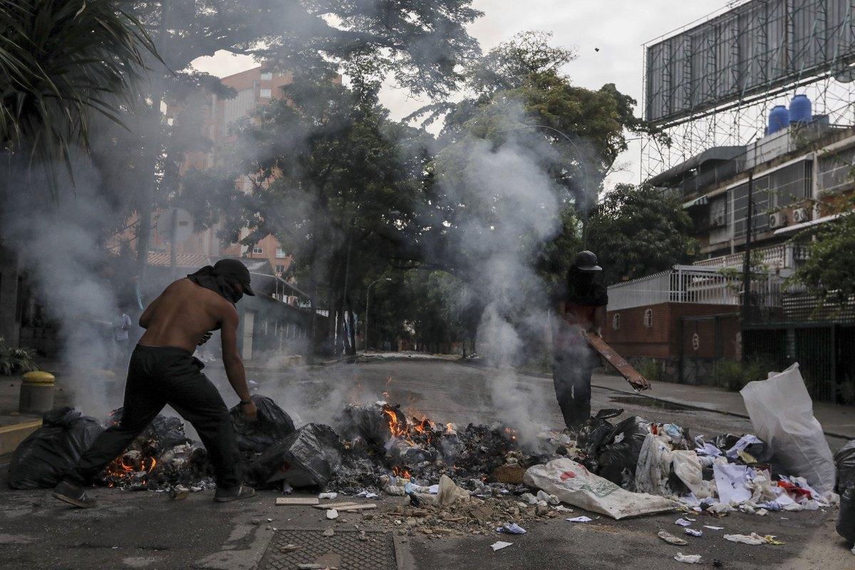 Los cortes de calles durante la jornada de huelga general (EFE)