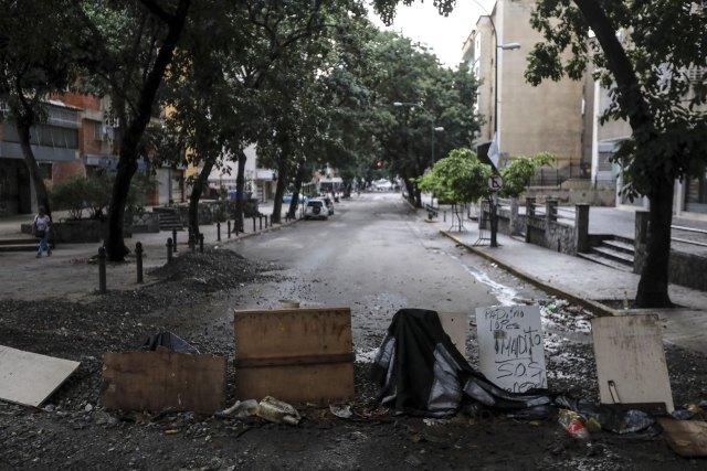 Las barricadas se multiplicaron por toda Caracas y las principales ciudades (EFE)