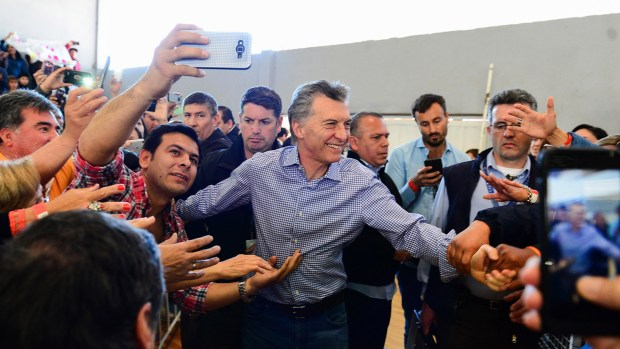 El oficialismo ajustó el foco de la campaña, se concentró en los municipios donde registran bajos niveles de votos y apostó a la exposición mediática de Vidal y Macri (Télam)