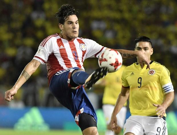 Gustavo Gómez es una debilidad para Barros Schelotto y actualmente no tiene minutos en el Milan (Gabriel Aponte/Getty Images)