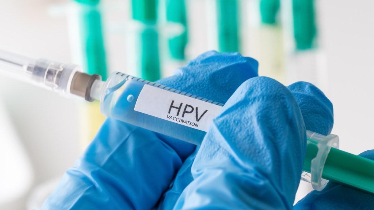 Los virus de papiloma humano (HPV por sus siglas en inglés) son una de las infecciones de transmisión sexual (ITS) más comunes que afectan a hombres y mujeres en todo el mundo (Getty Images)