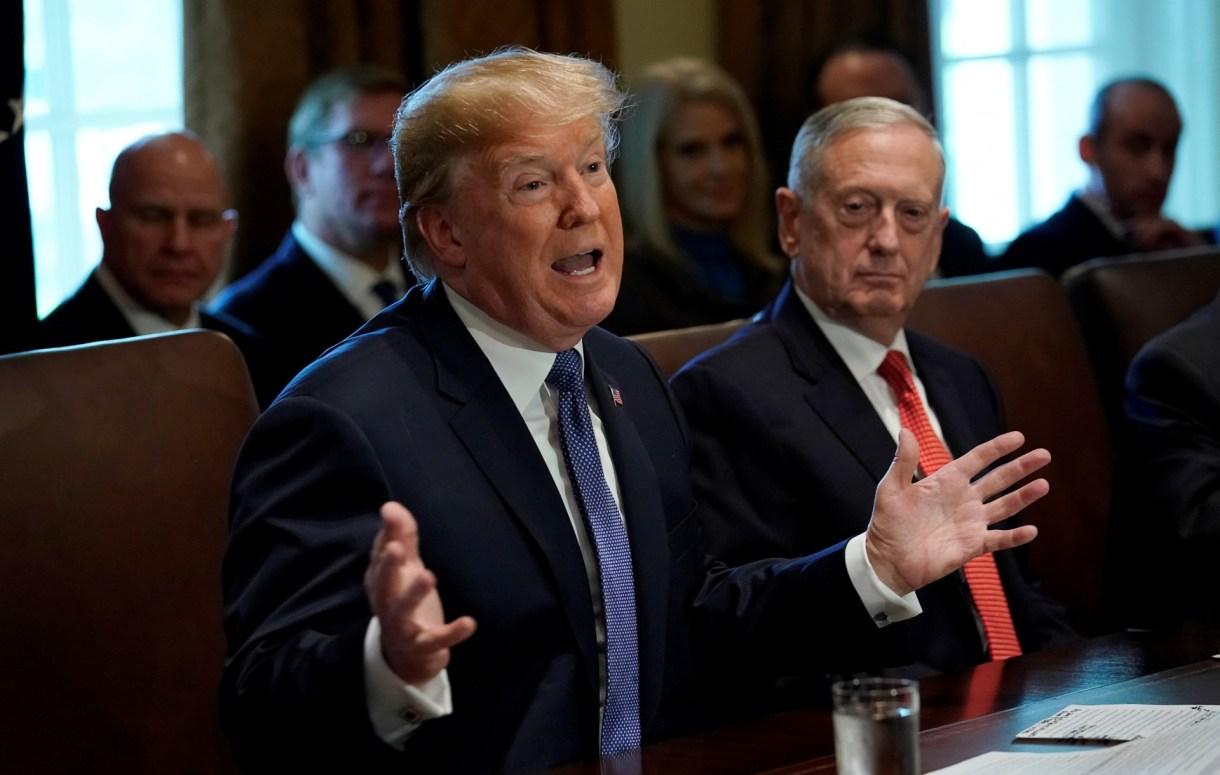 La orden de Trump provocó también la renuncia del secretario de Defensa de EEUU, James Mattis (REUTERS/Kevin Lamarque)
