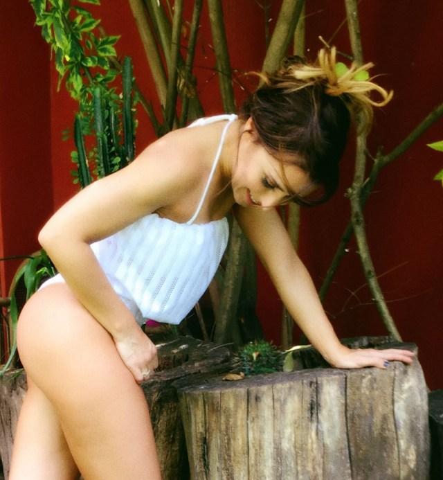 Mariana lució un traje de baño diseñado por Jimena Cyrulnik