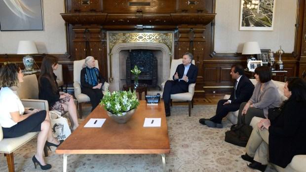 El presidente Mauricio Macri recibió a Jane Goodall en su despacho de la Casa Rosada.