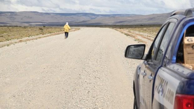 Un equipo de ayuda de siete personas siguió sus pasos en todo el camino