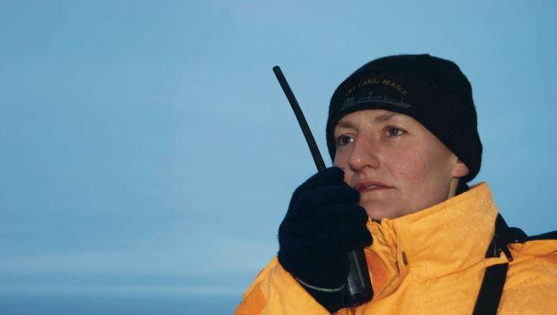 Eliana María Krawczyk (34) nació en Oberá, Misiones, pero hace casi diez años trabaja como submarinista para la base naval de Mar del Plata.Su familia y amigos esperan noticias.