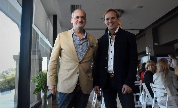 Laurencio Adot y Thiago Pinheiro tras finalizar la pasada de su colección