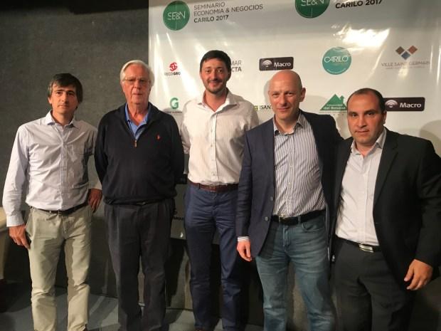 Martin Yeza junto a Carlos Guerrero ( Carilo ) el dr Sergio Berenstein , Gustavo Greco y el Sr Diego Cornejo Patrón ( Divisadero de Carilo)