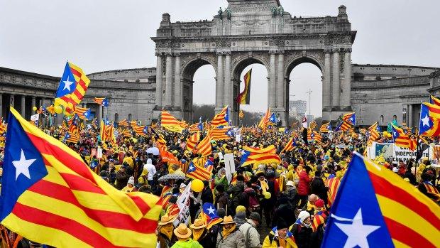 Miles de manifestantes protestaron ante la sede de la Unión Europea en Bruselas (AFP)