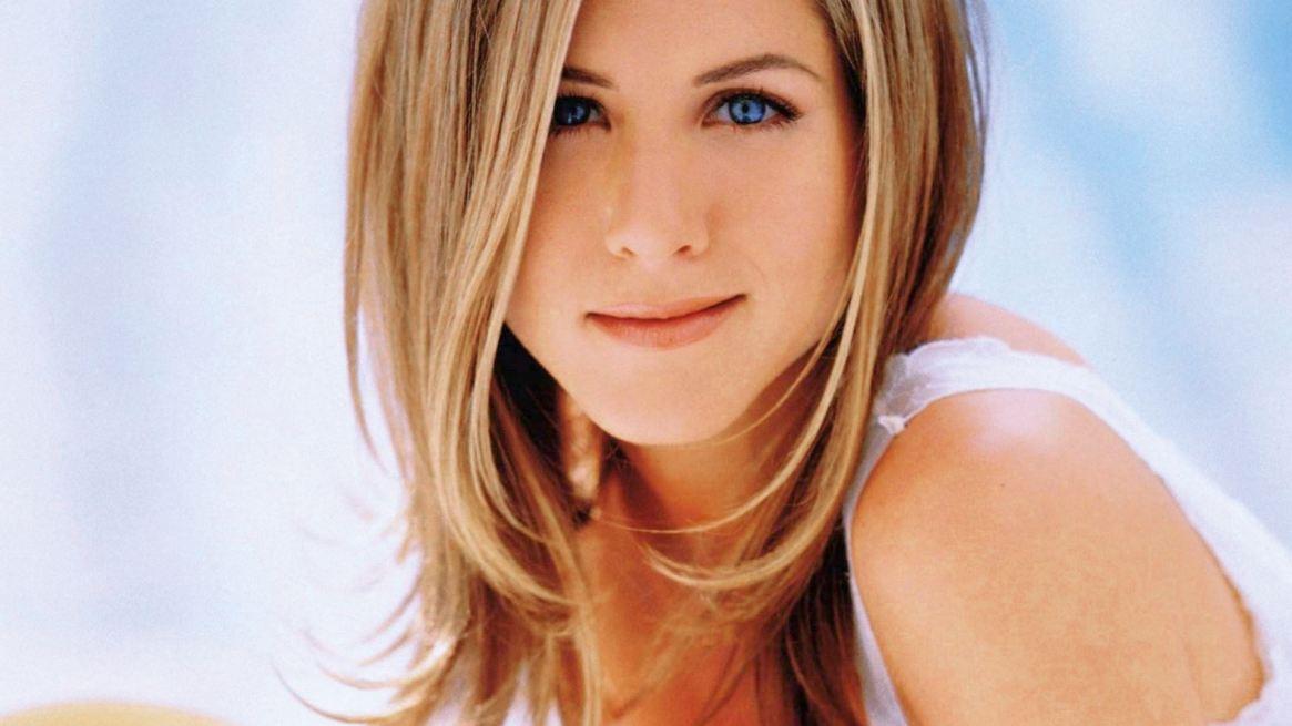"""Su icónico corte de cabello, conocido como The Rachel, causó furor y fue muy popular entre las mujeres de la época. Años más tarde, la actriz reconoció que nunca le gustó: """"No fue mi mejor look. Creo que fue el corte de pelo más feo que he visto en mi vida"""""""