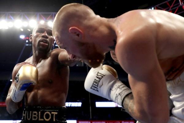 26/8 Floyd Mayweather vence a Conor McGregor en Las Vegas en uno de los combate más promocionados de la historia