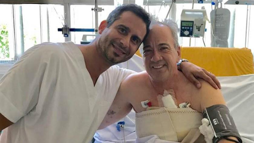 Joe Wolek junto Yamil Ponce, el cirujano que le salvó la vida
