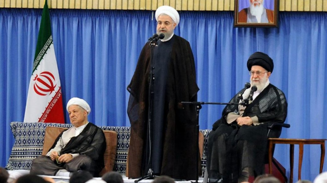 El presidente de Irán, Hassan Rouhani, junto al ayatollah Ali Khamenei, líder supremo de la República Islámica (Reuters)