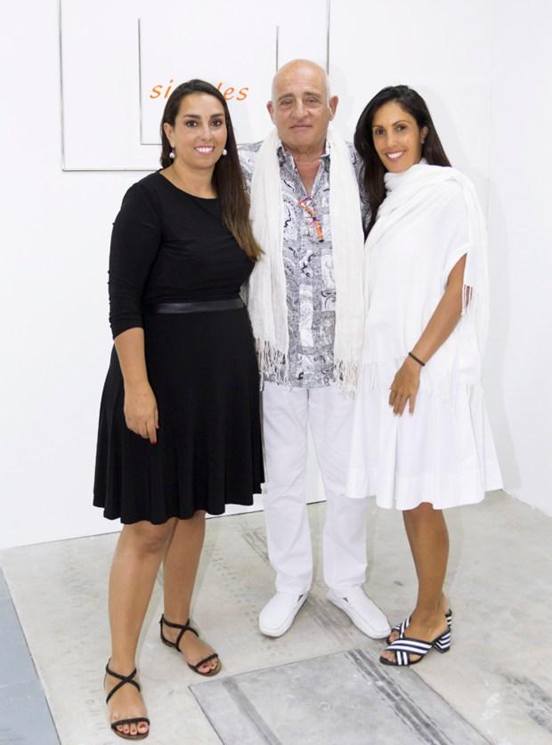 La directora de Este Arte, Laura Bardier, Aníbal Jozami y Myra Babenco