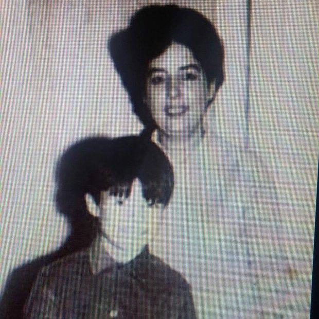 """""""A la mamá más hermosa del mundo. Donde quiera que estés, una vez más vuelvo a decirte TE AMOOOOO"""". Así recordó a su madre en su día."""