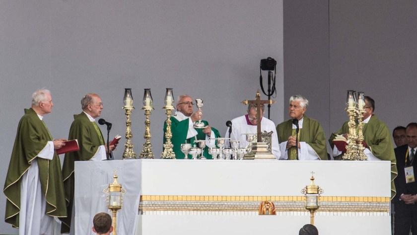 El Papa denunció la injusticia y dolor en las ciudades (AFP)