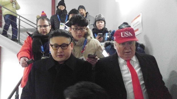 Ambos actores disfrazados asistieron a la ceremonia en Pyeongchang(Reuters)