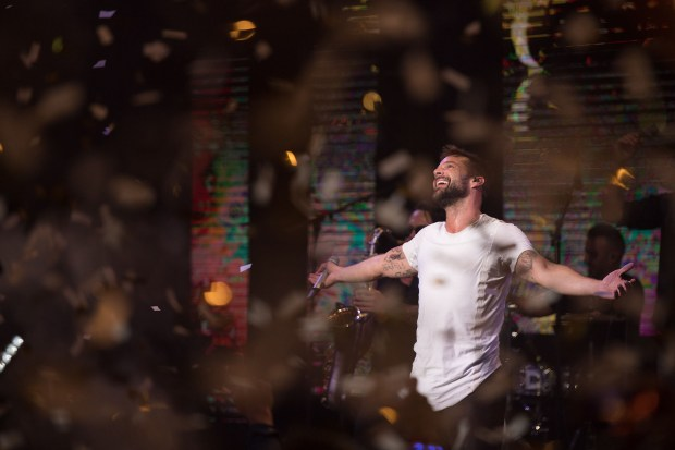 La última noche de cumpleaños tuvo un impactante cierre musical que puso a bailar a todos en la fiesta