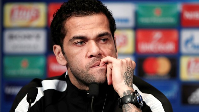 Dani Alves se marchó del Barcelona en 2016 (Reuters)