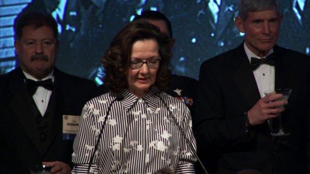 Gina Haspel ingresó a la CIA en 1985 y desde entonces ha recibido numerosos galardones y el reconocimiento de sus pares